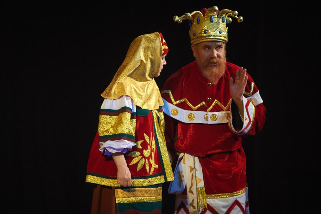 Матрена Егоровна, нянюшка — Татьяна Лопатина, Царь — Игорь Бочериков