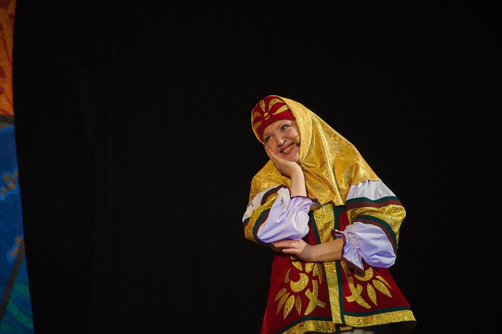 Матрена Егоровна, нянюшка — Татьяна Лопатина