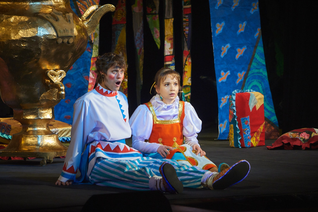 Забава, царевна — Анастасия Лоскутова, Иван, трубочист — Николай Шабаев